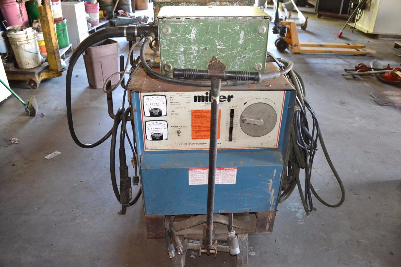 Miller Electric CP-250TS MIG Welder Constant Voltage DC Arc Welding Power Source